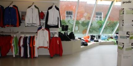 ruime keuze aan textiel, portfolio's, sporttassen, balpennen